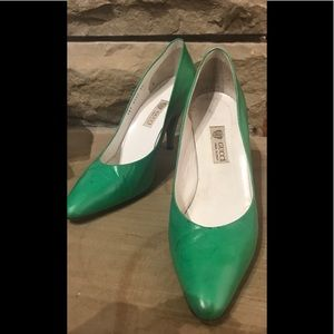 Gucci green pumps 39 B